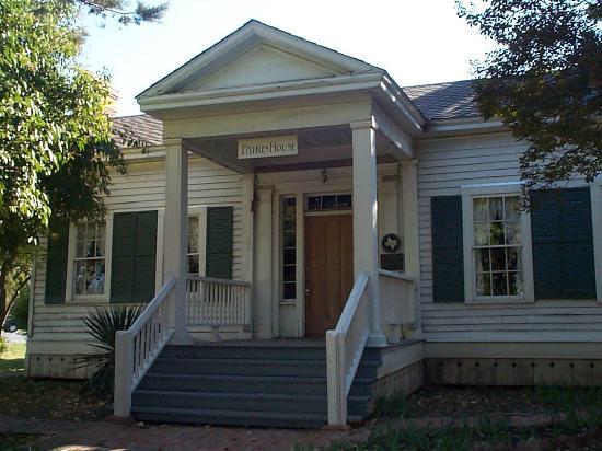 Chestnut Square Historic Village: Faires House