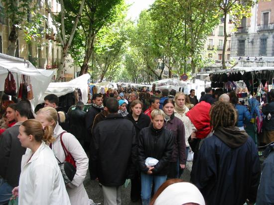 El Rastro: the Rastro goes on even in winter, notice the jackets!