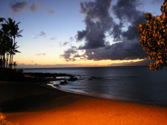 The Napili Bay: Sunset from the Backporch