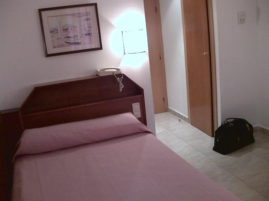 Single room at hotel Cortes