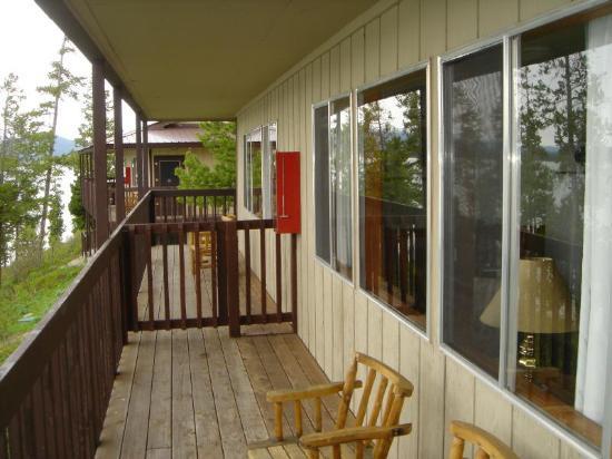 Signal Mountain Lodge: Semi-private deck