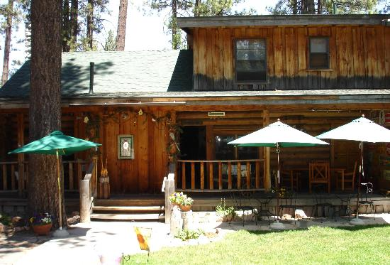 Eagle's Nest Bed and Breakfast Lodge : Bed & Breakfast Lodge