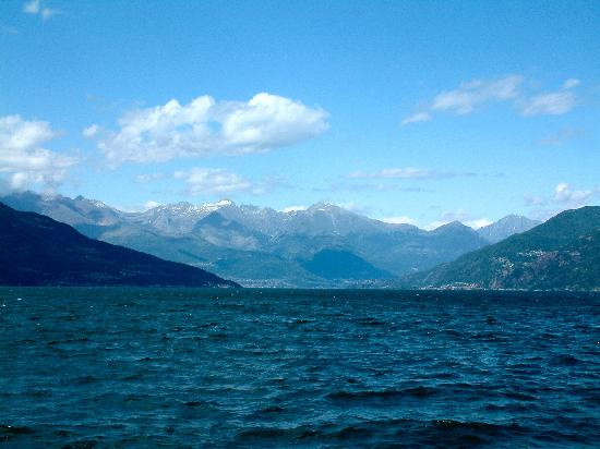 Grand Hotel Menaggio: view of the alps from the lake