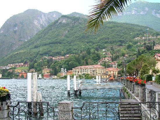 Grand Hotel Menaggio: The grand from Menaggio town