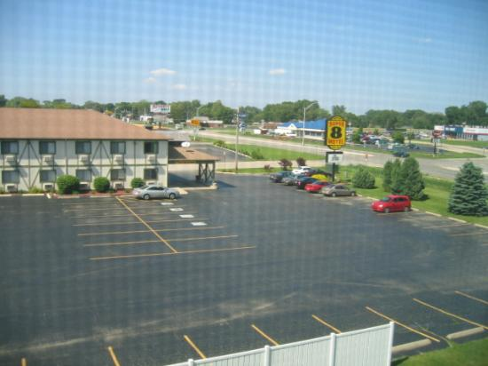 Country Inn & Suites by Radisson, Rock Falls, IL: View from Room