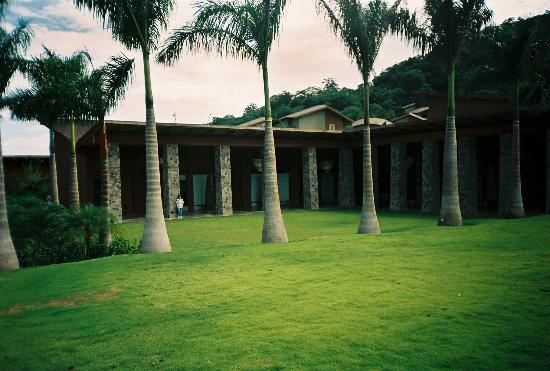 Four Seasons Resort Costa Rica at Peninsula Papagayo : Other view of Rresort Building