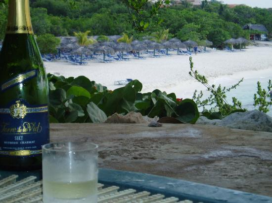 Paradisus Rio de Oro Resort & Spa: champagne as sun goes down