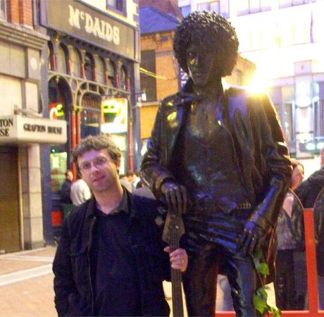 Cafe-En-Seine : Paying homage to Phil Lynott