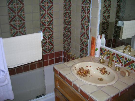 El Cordova Hotel: Bathroom