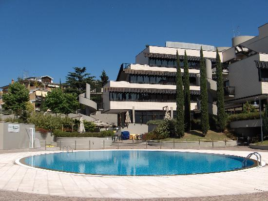 Comfortable hotel nh roma villa carpegna bilder for Comfy hotels resorts