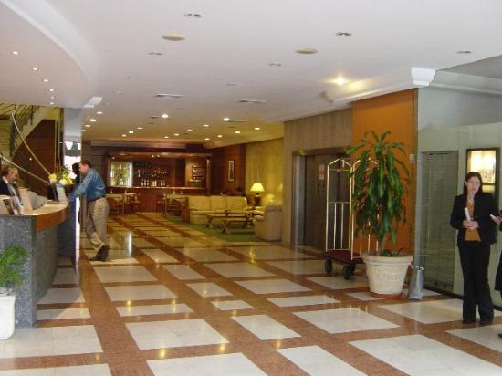 Crystal Palace Hotel: The Lobby of the Crystal Palace