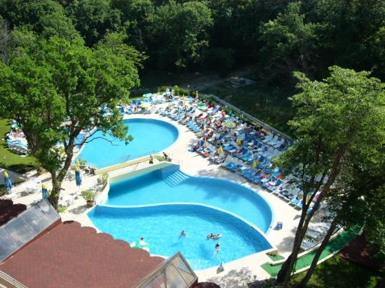 Hotel Kristal: Nice view of pool from 5th floor