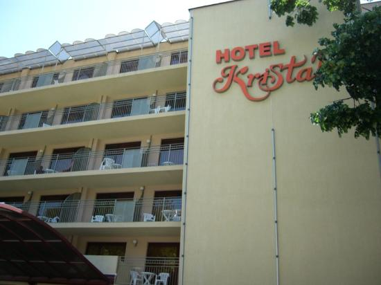 Kristal Hotel: The entrance...umm is it really 4 star?