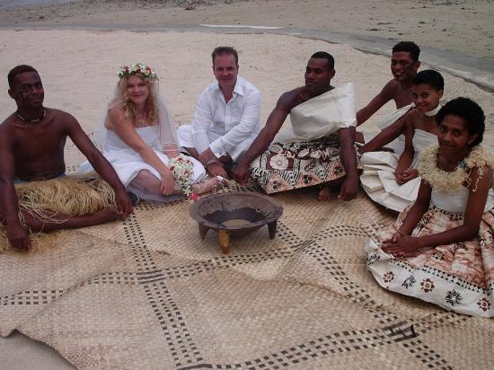 Fiji Hideaway Resort & Spa: Traditional post-wedding Kava ceremony