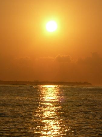 Lily Beach Resort & Spa: Sunrise