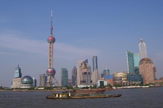 Shanghaiansk, Kina: Pudong taken from a river cruise boat