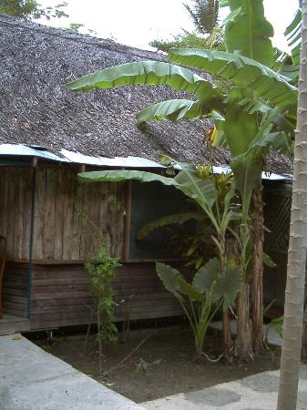 Footprints Eco Resort: Outside - back- Lovers Retreat