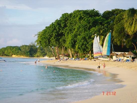 Saint James Parish, บาร์เบโดส: Daytime on the beach