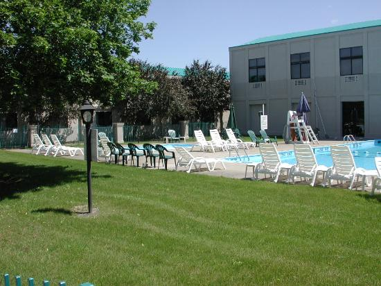 Ramada Ithaca Hotel and Conference Center: Inner courtyard