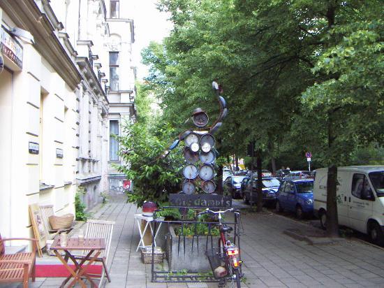 Hotel Greifswald: Typical Eastern Berlin Street in Prenzelburg