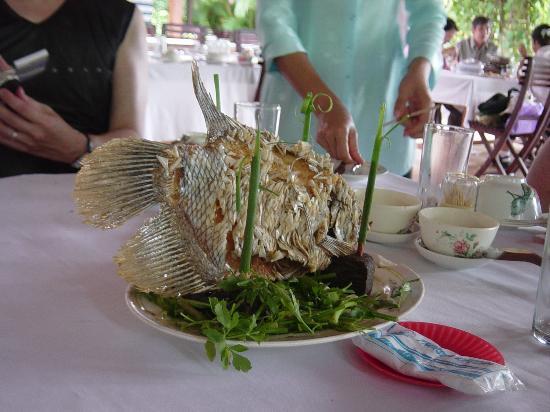 Renaissance Riverside Hotel Saigon: elephant fish - did I eat this?