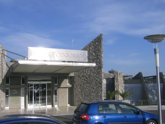 Hotel Podgorica: Entrance
