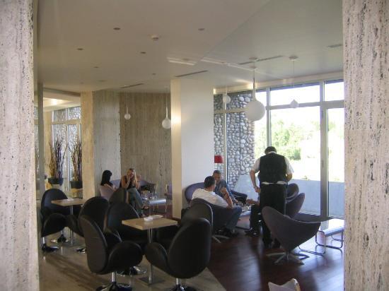 Hotel Podgorica: Lobby
