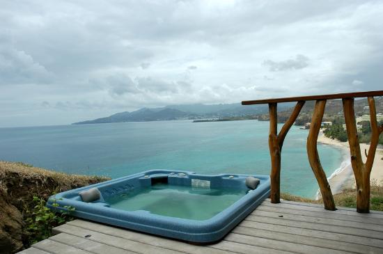 Maca Bana Paw Paw Hot Tub View