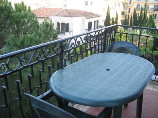 Astor Hotel: balcony