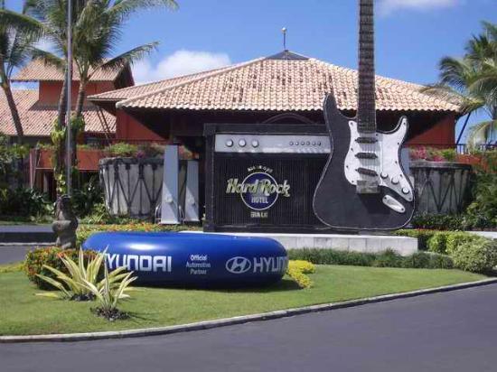 Hard Rock Hotel Bali: Hotel Entrance