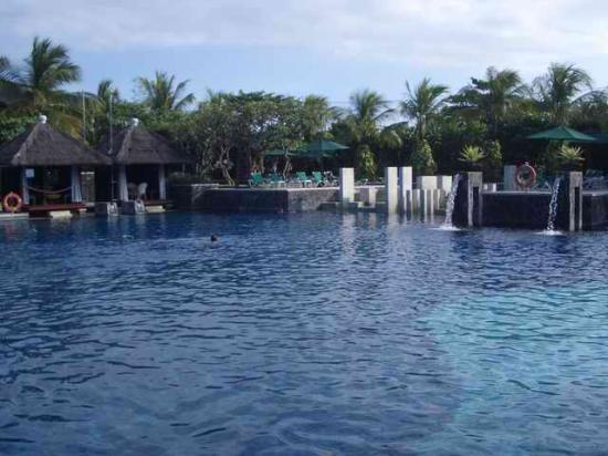 Hard Rock Hotel Bali: Pool 1