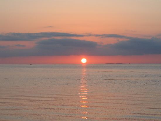 White Sands Inn: Keys Fisheries sunset