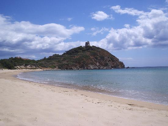 Santa Margherita di Pula, อิตาลี: Torre di Chia beach