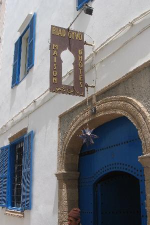 Riad Gyvo-bild