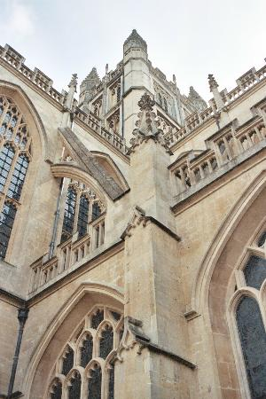 Бат, UK: Bath Abbey from ground