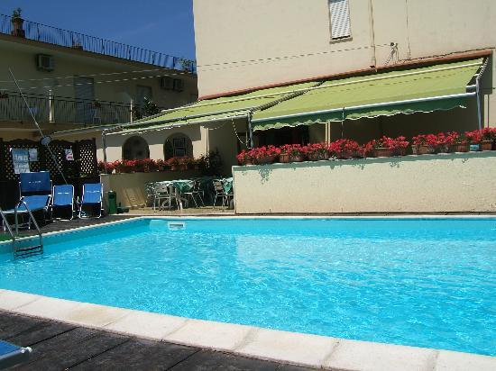 Hotel Londra: pool
