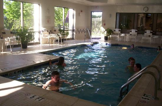 SpringHill Suites Centreville Chantilly : Gang in the indoor pool area