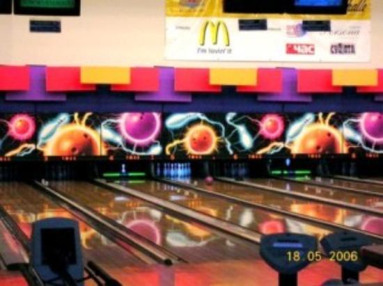 TOSS Hotel: Bowling Center