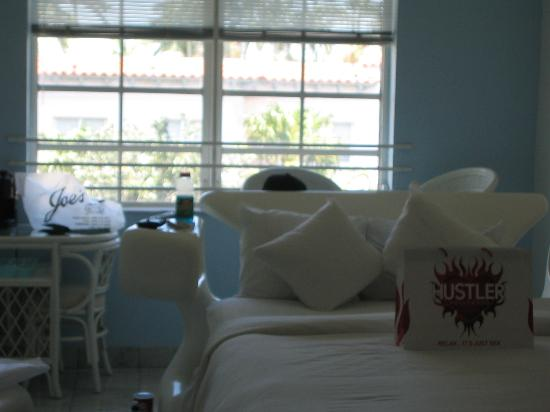 Royal South Beach Hotel: the room