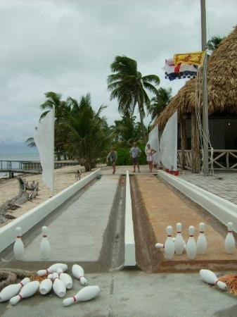 Royal Caribbean Resort: Nothin' like an early morn bowl!