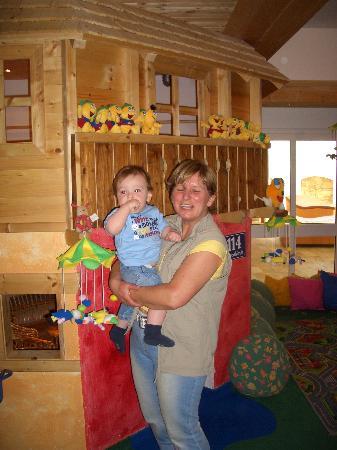 Familienparadies Sporthotel Achensee: Childcare