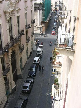 I Vespri Hotel: view from balcony down via montesano