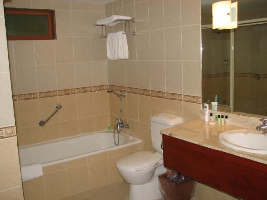 Naviti Resort : Bathroom, new wing
