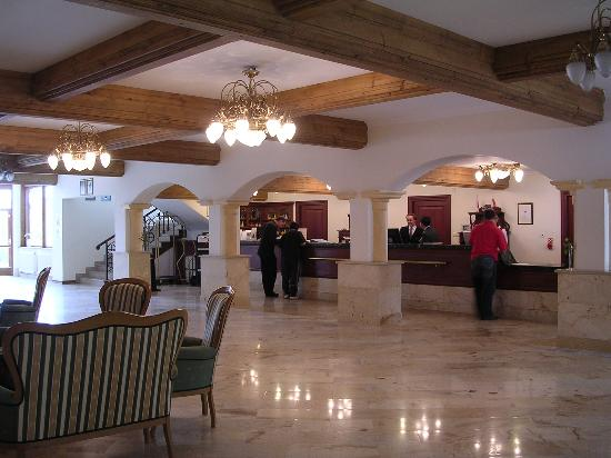 Belvedere Hotel: lobby