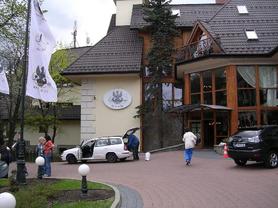 Belvedere Hotel: entrance