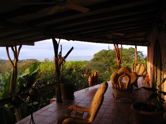 Villa Mango: sunrise on the jungle and the ocean