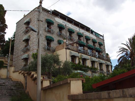 Hotel Villa Carlotta: Picture of Outside of Hotel