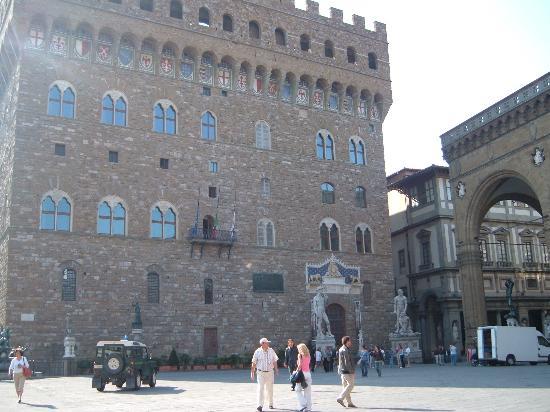 Piazza della Signoria - Picture of Soggiorno Antica Torre, Florence ...