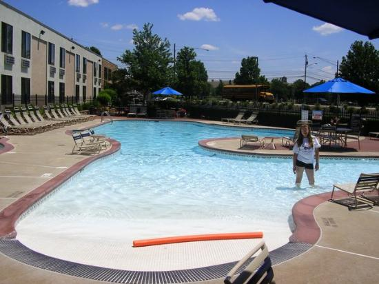 The Milton Hotel: Outdoor Pool