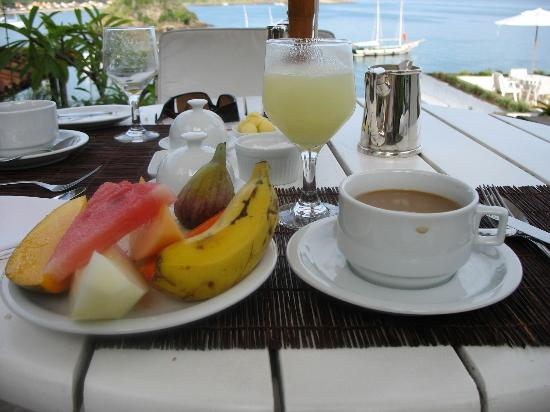 Casas Brancas Boutique Hotel & Spa: Typical breakfast